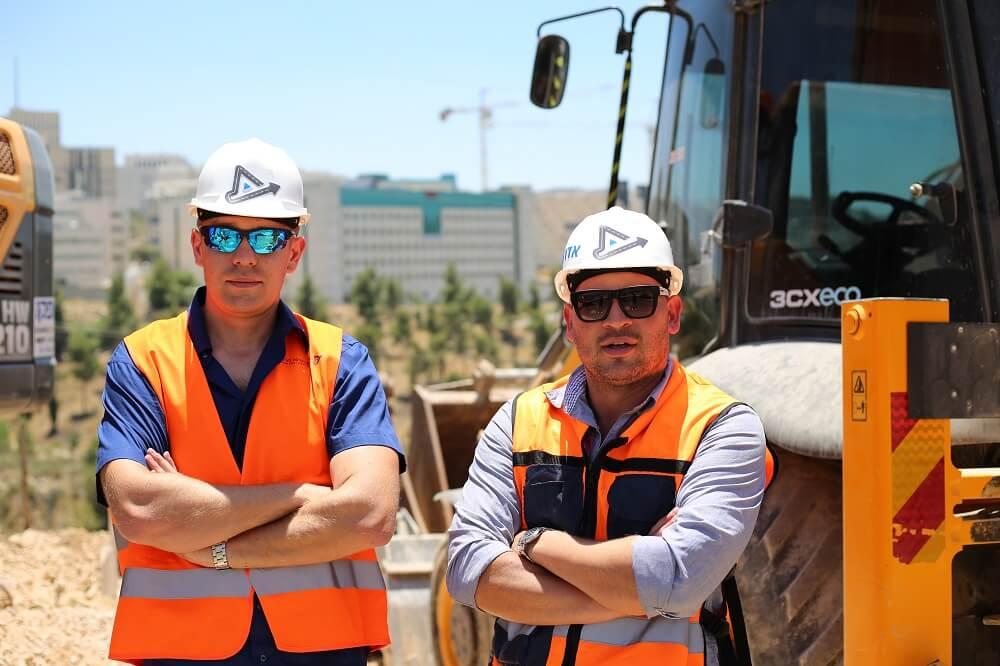 מהנדסים במהלך הבטחת איכות